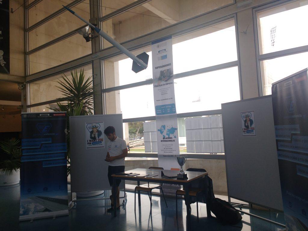 Stand en la Feria de Asociaciones de la ETSID